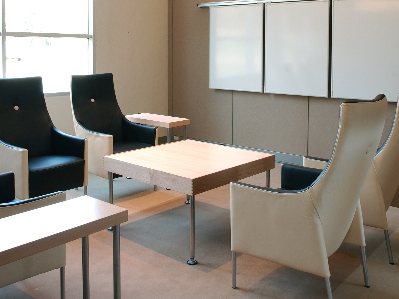 Intra Space Design Steelcase Corporate